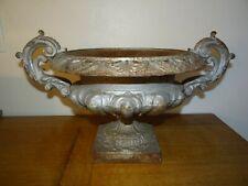 Très  Belle Grande Coupe de Jardin Vase Médicis en Fonte Ancienne