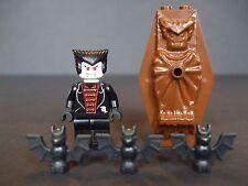 LEGO Vampire Minifigure & Coffin Plus 3 Bats - Lego Studios (1381)