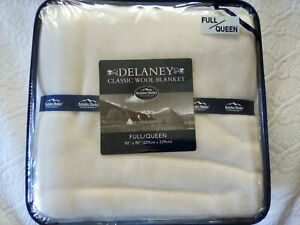 "Berkshire Delaney Classic 100% Soft Wool Blanket Full/Queen 90 x 90"" Ivory NWT"