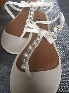 Womens Cream Sandals Shoe Size ,atmosphere NEW