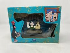 More details for wallace and gromit vintage radio boxed rare vintage 1989 boots
