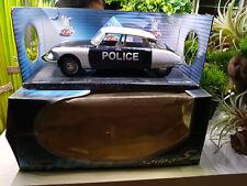 Citroen DS 19 Police - 1963 von Solido 1:18
