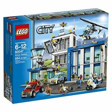 Lego City Town 60047 POLICE STATION Helicopter helicopter Dog Car Present NISB