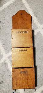 Vintage Retro Wood 3 slot Letter Bills Misc Wall Pocket Holder with Key Hooks