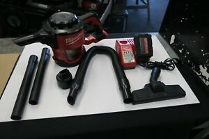 Milwaukee 0882-20 M18 Compact Vacuum With Battery, Charger & Attachments Nice
