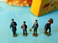 BRITAINS TRIX LILLIPUT WORLD No, 510  OO GAUGE DIE CAST BOXED STATION FIGURES