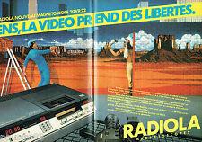 PUBLICITE ADVERTISING 016  1982   Radiola  magnétoscope à cassettes 20 VR22 (2p)