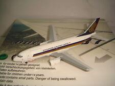 """Aeroclassics 400 Singapore Airlines Cargo B737-300C """"1990s color"""" 1:400"""