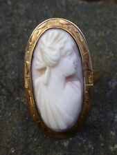 Vintage 10K Yellow Gold Carved Angel Coral Cameo Ring - Size 6