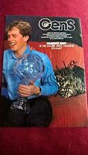 2 Autogramme von Fabrice Guy, Farb-Magazinbild (mit Mangel!), groß 29,5x21cm