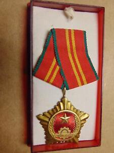 "Vietnam War Vietcong Medal "" Chien Thang"" Second Class Victory Decoration Rare"