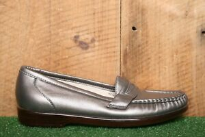 SAS 'Classic' Pewter Metallic Leather Penny Loafers Comfort Shoes Women's Sz 7 S