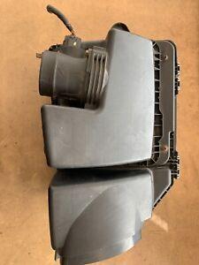 2006-2011 Cadillac DTS 4.6L Engine Air Cleaner Box Assembly w/ MAF Sensor OEM