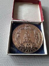 Queen Elizabeth 1953 Coronation Boxed Gold Coloured Coin Souvenir memorabilia