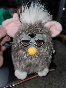 Tested Electronic Furby OWL BROWN EYES Toy Figure Tiger Hasbro READ