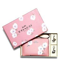 COACH BOXED CORNER ZIP WRISTLET DAISY PRINT PINK BUBBLEGUM MULTI NWT $128