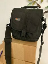 lowepro adventura 140 - A Protective and Compact Shoulder Bag for a DSLR