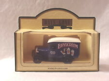 KKar LLedo - Days Gone - DG21050 - 1926 Chevrolet Van - Blue - Brylcreem