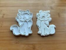 Aristocats-inspired Marie cookie cutter