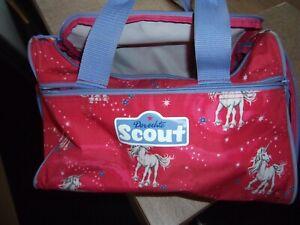 Scout Sporttasche mit Nassfach Einhorn