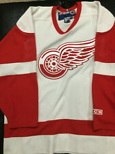 Detroit Red Wings Lot VINTAGE CCM NHL Hockey Jersey Large + Black Scarf Used