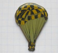 FALLSCHIRMSPRINGER / PARAGLIDING ................ Ballon-Pin (154f)