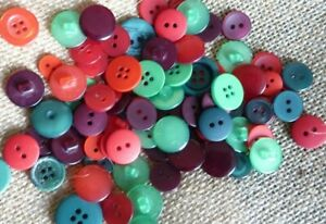 BUTTONS RED AND GREEN 100 mixed size for christmas craft