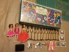 Vintage 1971 Topper Dawn and Her Friends Doll Case Dolls Clothes and Accessories