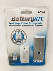 Nyko Battery Kit - Wii - Extra Battery & Grip Cover for Charge Station in Gray
