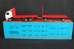 Tekno Scania 142M truck with trailer 1:50 (J&KvW)