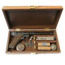 Boite de presentation pistolet P08 Luger artillerie  ref 1
