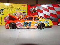 1/24 JEFF GORDON #24 DUPONT / NASCAR RACERS CWB 1999 ACTION NASCAR DIECAST