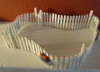 Grandeur Noel White Picket Fence Victorian Christmas Village 2001 Miniature