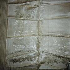 Ancien foulard carré ou fichu en soie blanc broderie 69x69 début XXe / 1