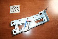 NOS Ford Front Fender Bracket R 8G1Z-16A023-A 10-121 Lincoln MKT 09 MKS Taurus D