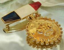 Nice Trifar Signed Vintage 70's Guilloche Medal Navy Mom Brooch 396MY6