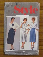 STYLE PATTERN - 4282 LADIES WRAP SKIRT FRONT PLEATS & BUTTONS SIZE 16 USED