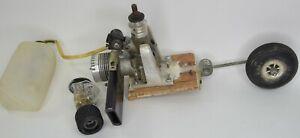 Vintage K&B 40 ENGINE MOTOR RC Model Airplane GAS TANK WHEEL  Untested