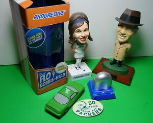 THE OFFICIAL FLO TALKING BOBBLE HEAD PROGRESSIVE INSURANCE WITH PHOTO EXTRAS