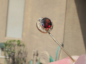 Vintage 14K Gold Stickpin, 1ct Oxblood Garnet in Filigree Halo