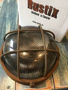 Retro Round Die-Cast Metal Ind. Vintage Bulkhead Wall Light Rusty Weather Finish