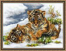 """RIOLIS Counted Cross Stitch Kit 1564 """"Tiger Cubs in Snow"""" Animals"""