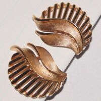 Vintage signed Crown Trifari midcentury modernist leaf gold tone clip earrings