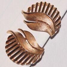 Vintage signed Crown Trifari midcentury modernist leaf gold tone clip earrings
