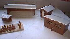 Bachmann Plasticville 45604 Farm Outbuildings Plastic Kit O Gauge