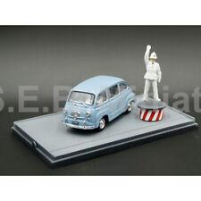 FIAT 600D MULTIPLA AZZURRO CENERE 1960 + AGENT DE CIRCULATION 1:43 BRUMM