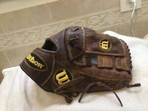 "Wilson A800 11.75"" Youth Baseball Softball Glove Right Hand Throw"