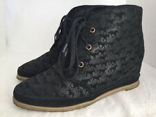 80%20 Eliotte Black Suede Horse Pattern Lace Up Chukka Hidden Wedge Boots Size 9