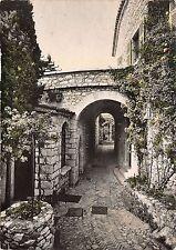 BR5609 Eze Village Le vieux puits et le chateau de la Chevre d Or france