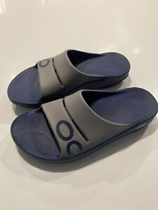 Oofos OOahh Slides Post Sport Recovery Sandals Men 10 Women 12 Blue Ombre Black